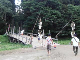 ラビリンス会場までの橋
